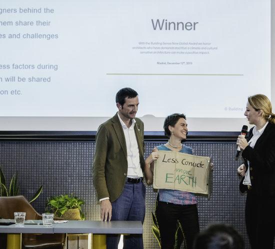 Entrega premio a Anna Heringer